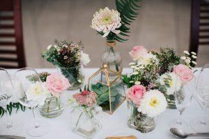 Centre De Table De Mariage Champêtre Chic Lors D'une Réception Au Cap Ferret Décorée Par Elisabeth Delsol.