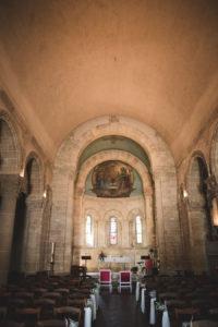 Décoration De L'église Et De La Cérémonie Religieuse De Ce Mariage De Printemps.