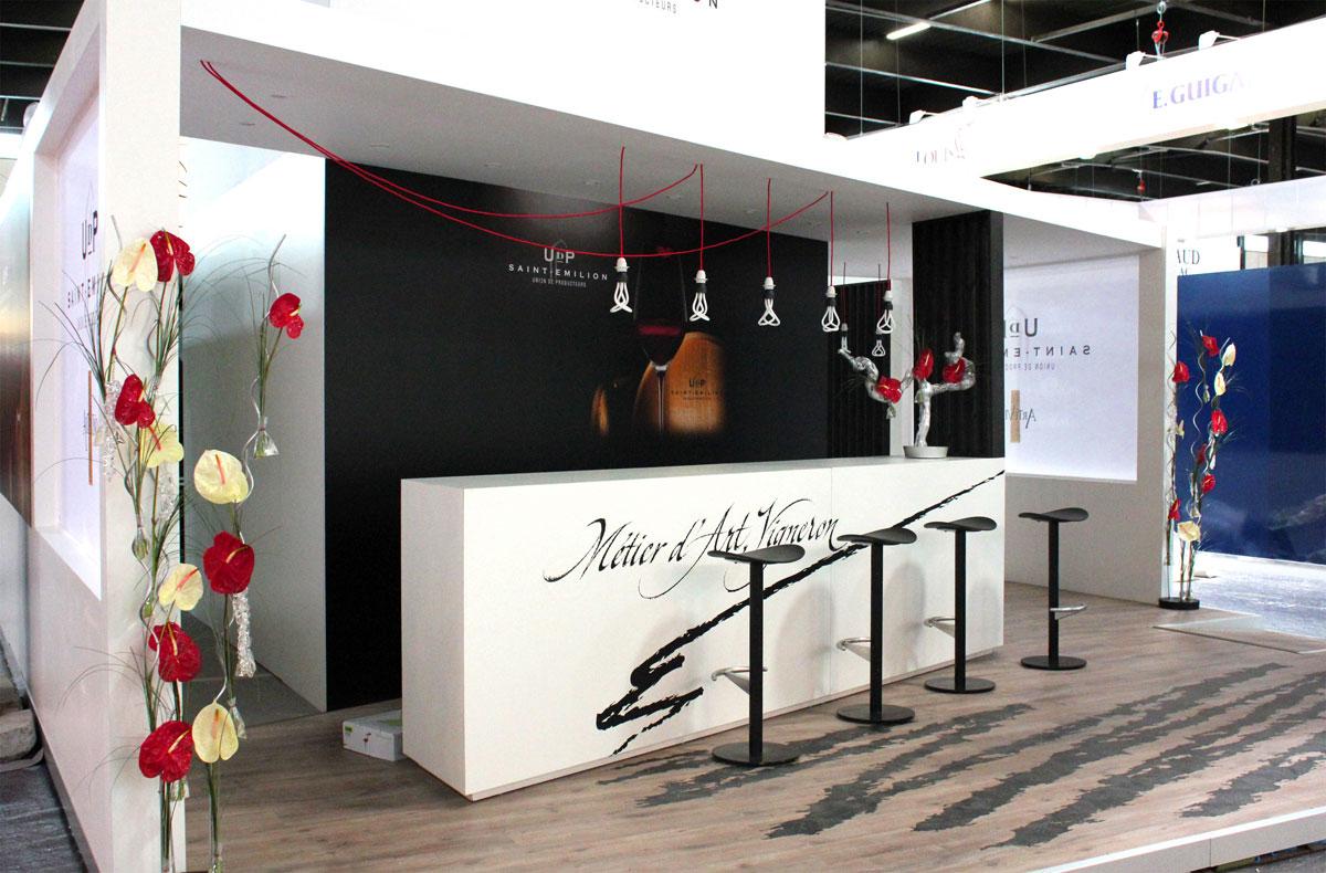 Superbe d coration stand professionnel yqv53 slabtownrib for Stand salon professionnel
