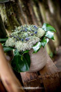 Bouquet De Décoration De Mariage Sur Le Thème Safari Et Romantique En Fleur Exotique Et Tropical.
