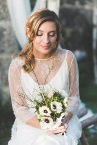 Bouquet De Mariée De Mariage En Fleurs Blanches Au Thème Champêtre En Hiver.