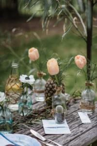 Centre De Table Boho Chic Avec Tulipe, Rose, Bambou Et Ananas.