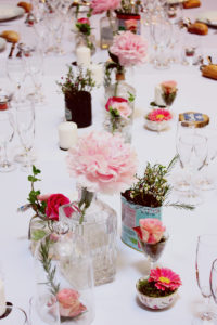 Centre De Table De Mariage Au Thème Romantique Chic De La Ferme Inharria Par Elisabeth Delsol.