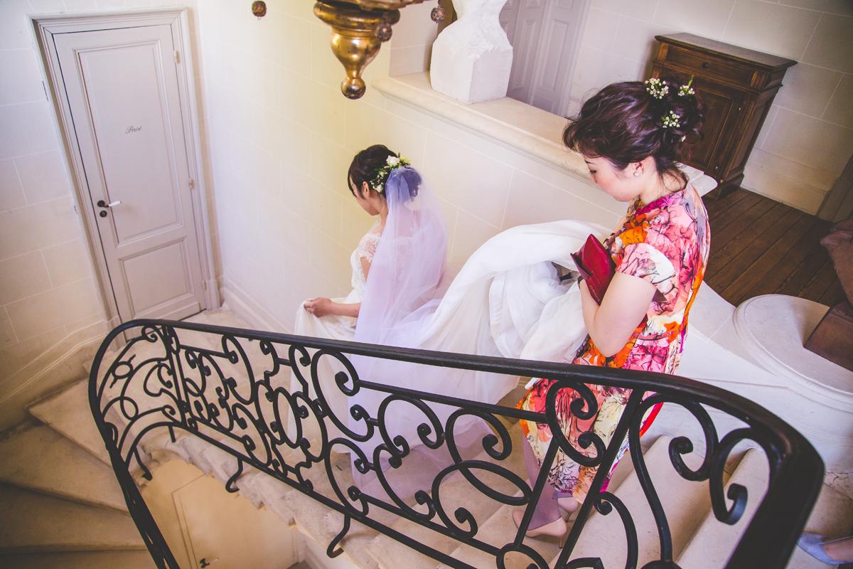 Mariage franco japonais avec des robes des deux coutumes.