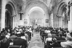 Cérémonie Religieuse De Mariage Franco Japonais Et Décoration De L'église De Gironde.