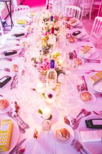 Décoration De Table D'honneur De Mariage Zen Nature Avec Les Fleurs D'Elisabeth Delsol.