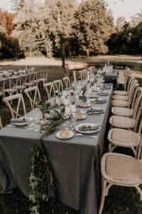 Décoration De Table Rectangulaire De Mariage Naturel Chic Par Elisabeth Delsol.