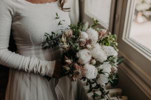 Bouquet De Mariée De Mariage Bucolique Chic Par Elisabeth Delsol.