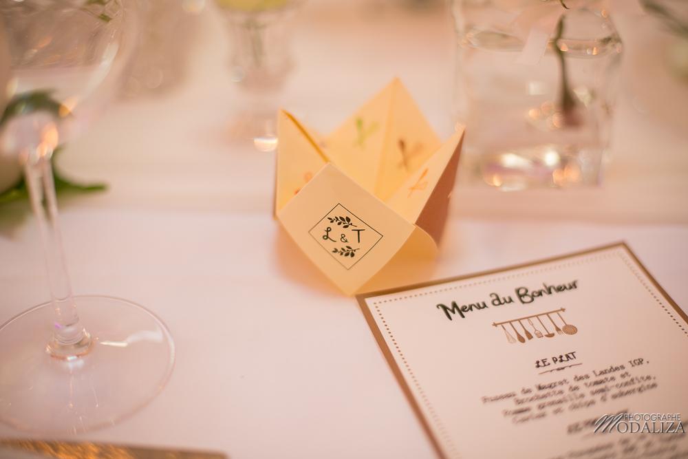 Menu en origami de mariage simple et champêtre à Bordeaux.
