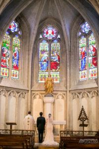 Décoration De L'église En Gironde D'un Mariage Champêtre Et Chic.