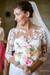 Mariée Bohème Et Bouquet De Fleurs De Mariage Champêtre à Bordeaux à La Déco Et Fleur D'Elisabeth Delsol.