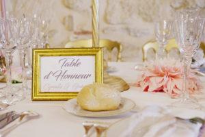 Déco Au Thème Gold Et Chic Des Tables De Ce Mariage Au Château D'Agassac Par Elisabeth Delsol.