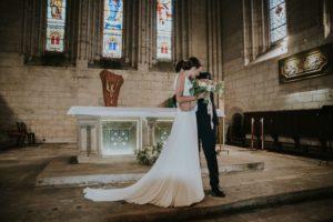 Décoration De Mariage à L'église Avec Des Fleurs D'Elisabeth Delsol.