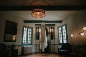 Robe De Mariée Bohème Et Chic De Mariage Dans Le Sud Ouest.