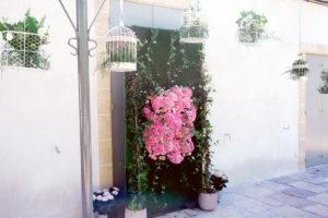 Décoration De Terrasse, Mur Et Jardin Pour Réception De Baptême De Fille Et Garçon.