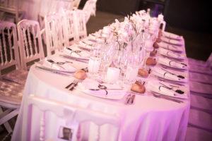 Décoration De Table De Mariage Simple Et Chic Par Elisabeth Delsol.