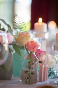 Centre De Table, Bouquet Et Décoration Colorée De Mariage.