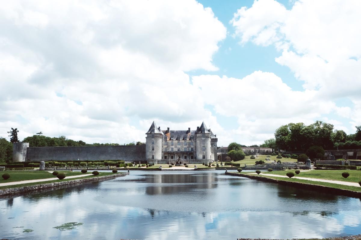 Château de la Roche Courbon mariage et décoration.