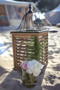 Décoration En Fleurs Et Bouquets De Mariage Champêtre Chic Sur La Plage Du Cap Ferret.