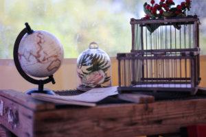 Décoration En Globe Pour Le Cadeau Et Voyage De Noce Des Mariés.