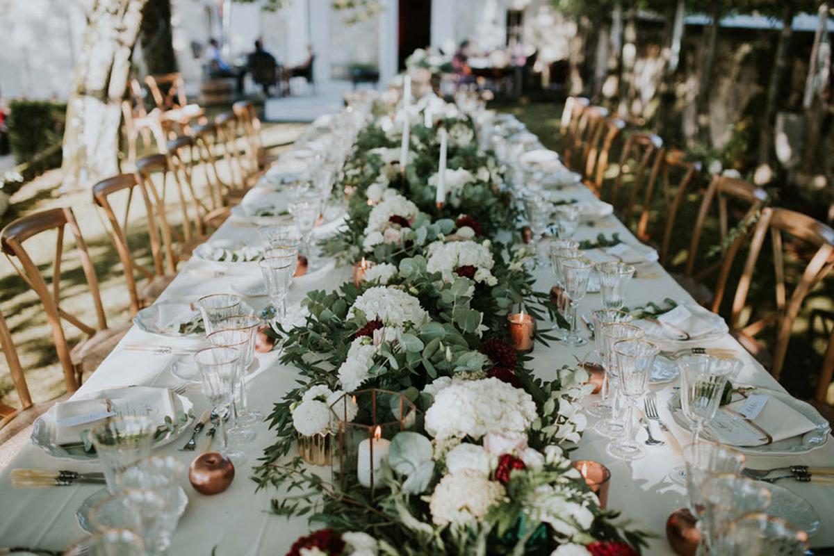 Déco couleur mariage en fleur pour événement.