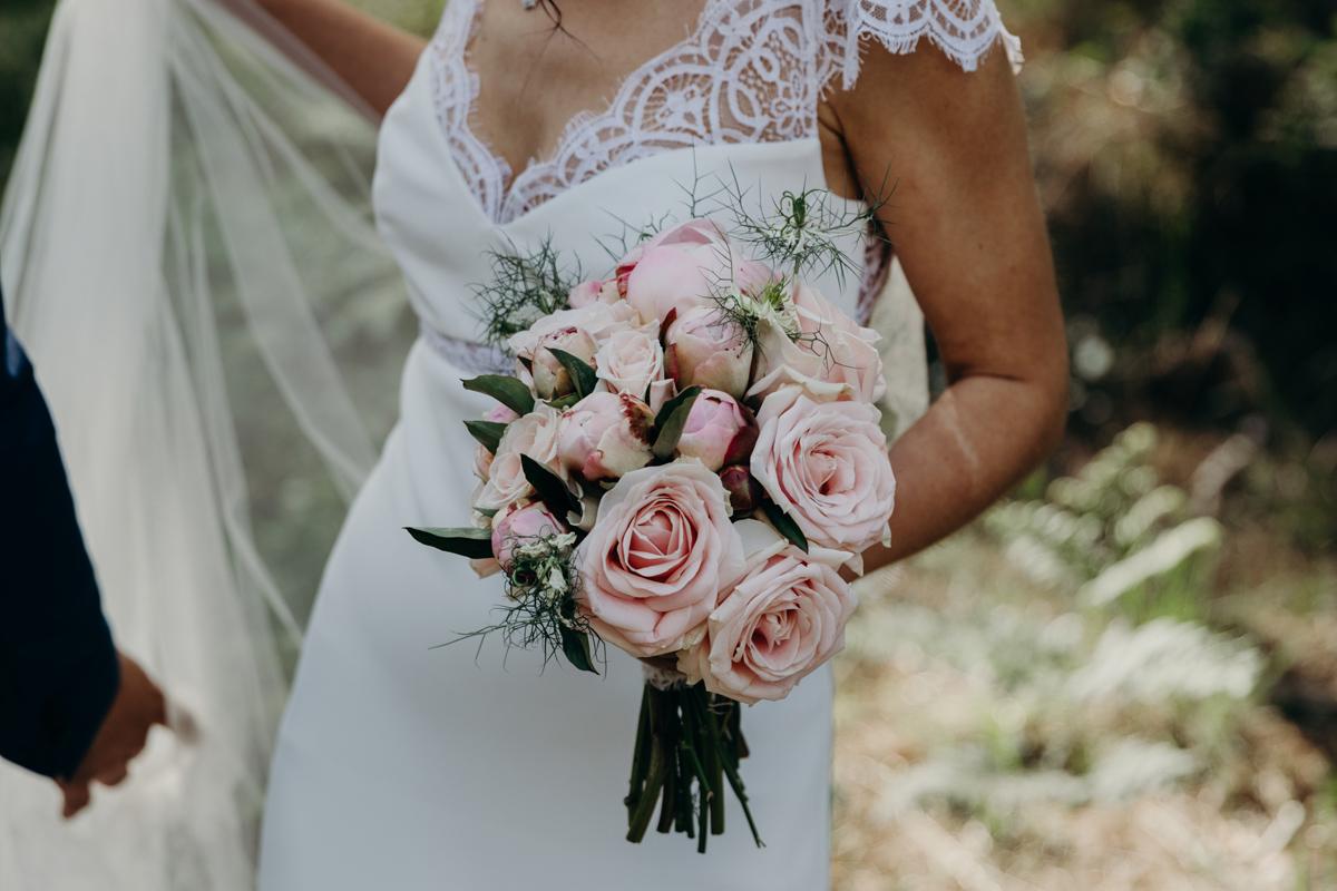 Mariage Landes : une décoration et des fleurs au Domaine de Pétiosse.