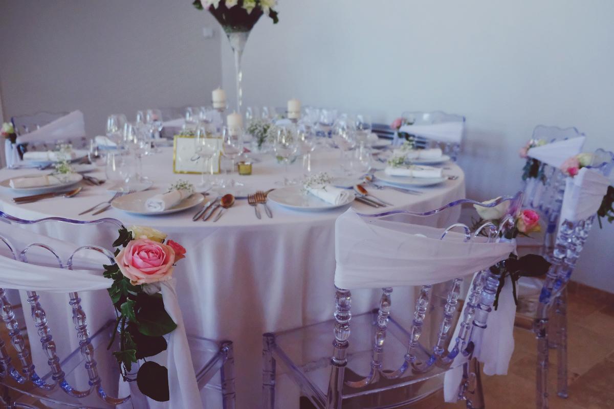 Le Château Duplessis pour un mariage à la décoration chic et champêtre dans le Médoc en Gironde.