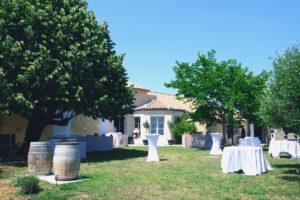 Le Jardin Et La Maison Du Domaine De Saint Amand En Gironde Et Aquitaine.