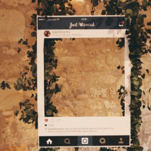 Déco Au Château Giscours Avec Ce Photobooth De Mariage Sur Le Thème Instagram.