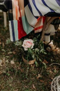 Déco D'allée De Cérémonie Laïque De Mariage En Fleur.