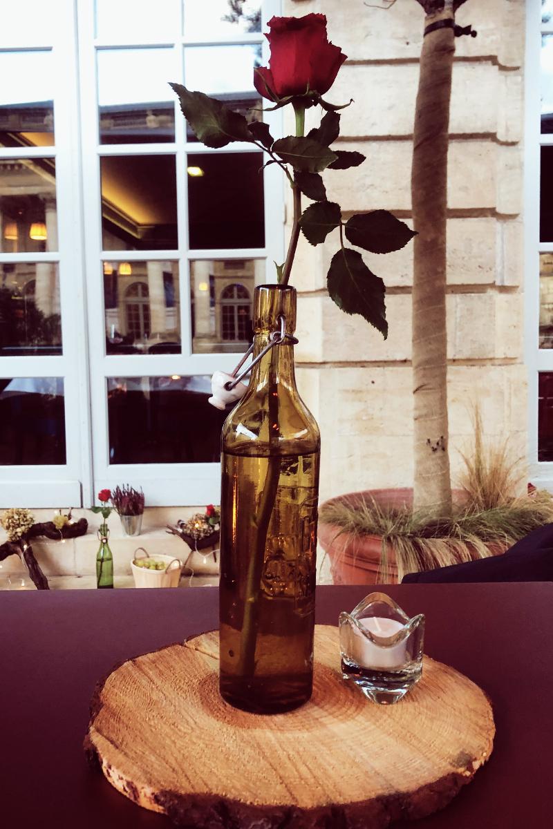 Décoration beaujolais nouveau lors d'une soirée à Bordeaux.