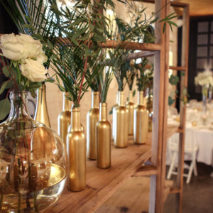 Décoration De Mariage Blanc, Or Et Rose Au Style Champêtre Et Chic.