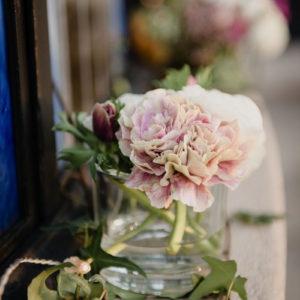Bouquet En Oeillet Lors De Mariage Et événement Aux Décoration Et Composition Florale Champêtre Et Chic.