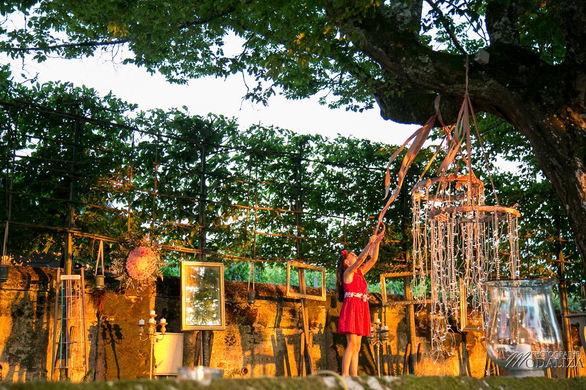Cerceau lumineux de mariage à la décoration de salle et cérémonie champêtre.