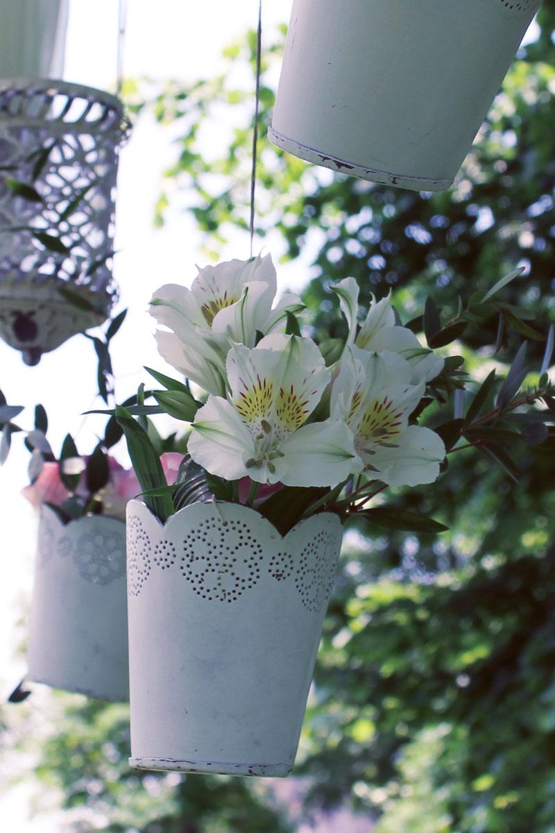 Fleurs du mois de mai pour mariage et événement champêtre et bouquet de décoration en alstroemeria.