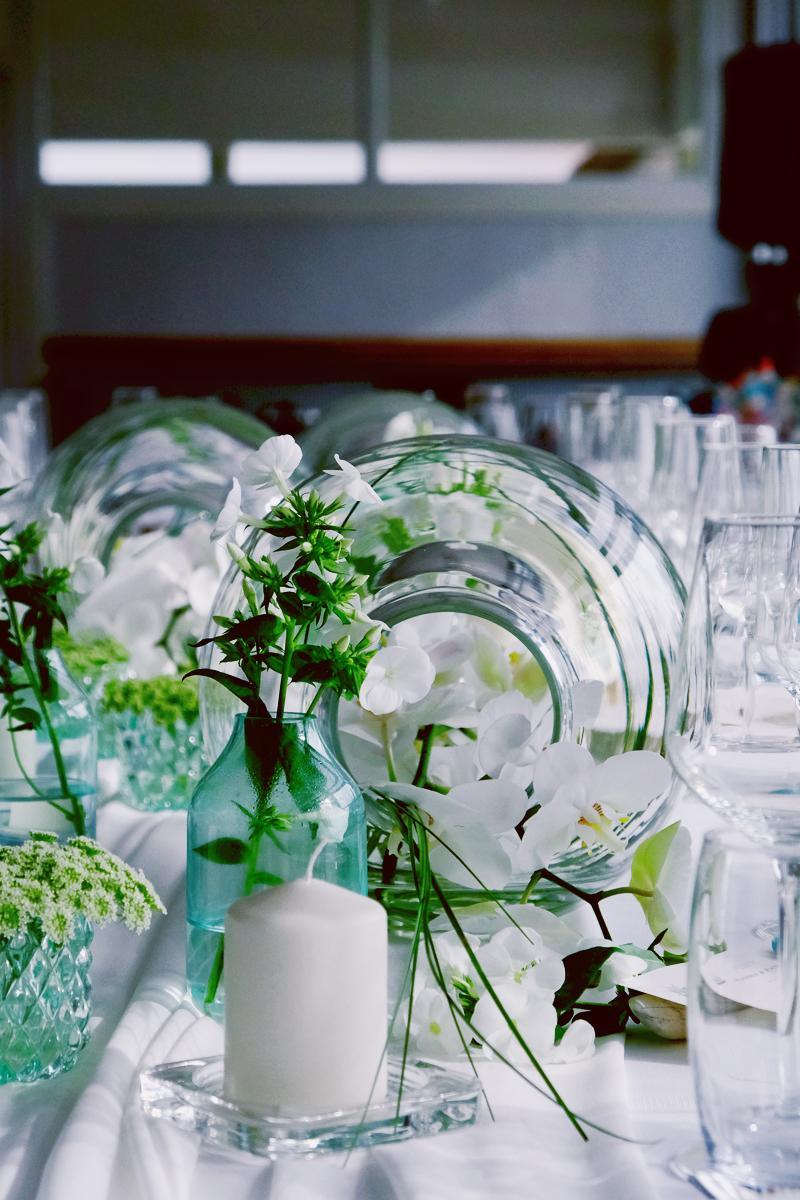 Fleurs du mois de mai pour mariage et événement champêtre et bouquet de décoration en pois de senteur.