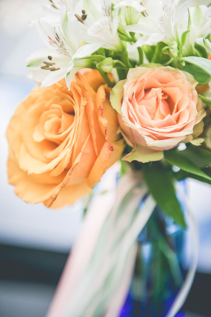 Fleurs du mois de mai pour mariage et événement champêtre et bouquet de décoration en rose.