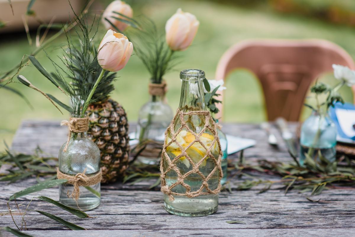 Fleurs du mois de mai pour mariage et événement champêtre et bouquet de décoration en tulipe.