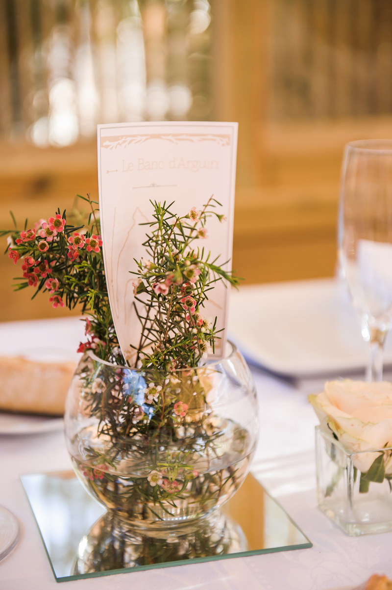 Fleurs du mois de mai pour mariage et événement champêtre et bouquet de décoration en wax.