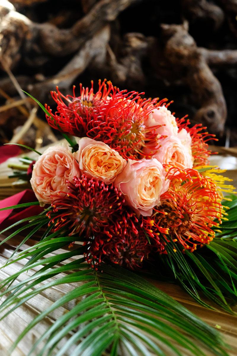 Château Smith Haut Lafitte mariage et décoration aux bouquets de fleurs chics et atypiques.