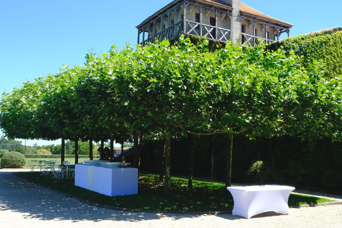 Château Smith Haut Lafitte mariage et décoration lors de réception et cocktail en extérieur.