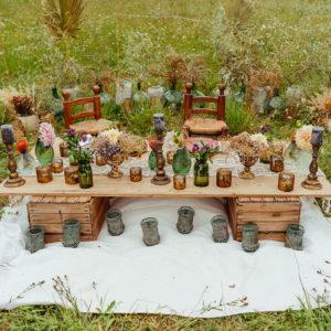 Décoration Mariage En Fleurs Séchées Et Une Table Aux Centres, Bouquets Et Compositions Florales Chic, Bohème Et Naturel.