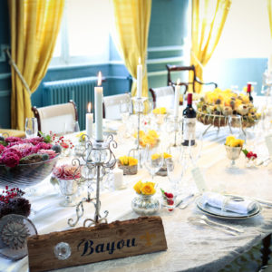 Décoration De Mariage Sur Le Style De La Nouvelle Orléans Lors D'une Réception Chic En Fleurs !