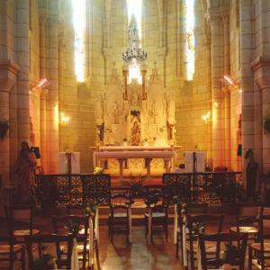 Près De Moulon Et Du Château De Garde, L'église Notre Dame Lors De Ma Décoration De Cérémonie En Gironde.