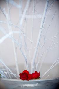 Décoration Et Bouquet De Fleur Pour Une Vitrine De Noël Lors Des Fêtes De Fin D'année.