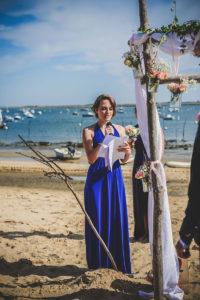 Se Marier En Bord De Mer Avec Une Déco D'arche De Cérémonie Sur Le Thème Romantique Chic.