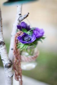 Bouquet à Noël De Fleurs Violettes Pour Mariage Et événement.