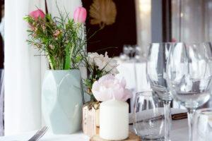 Centre De Table De Mariage Au Restaurant La Maison Du Fleuve à Camblanes Et Meynac.