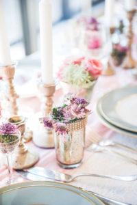 Petit Vase En Fleur Violette D'astrance Pour Une Déco Au Style Chic Et Champêtre.