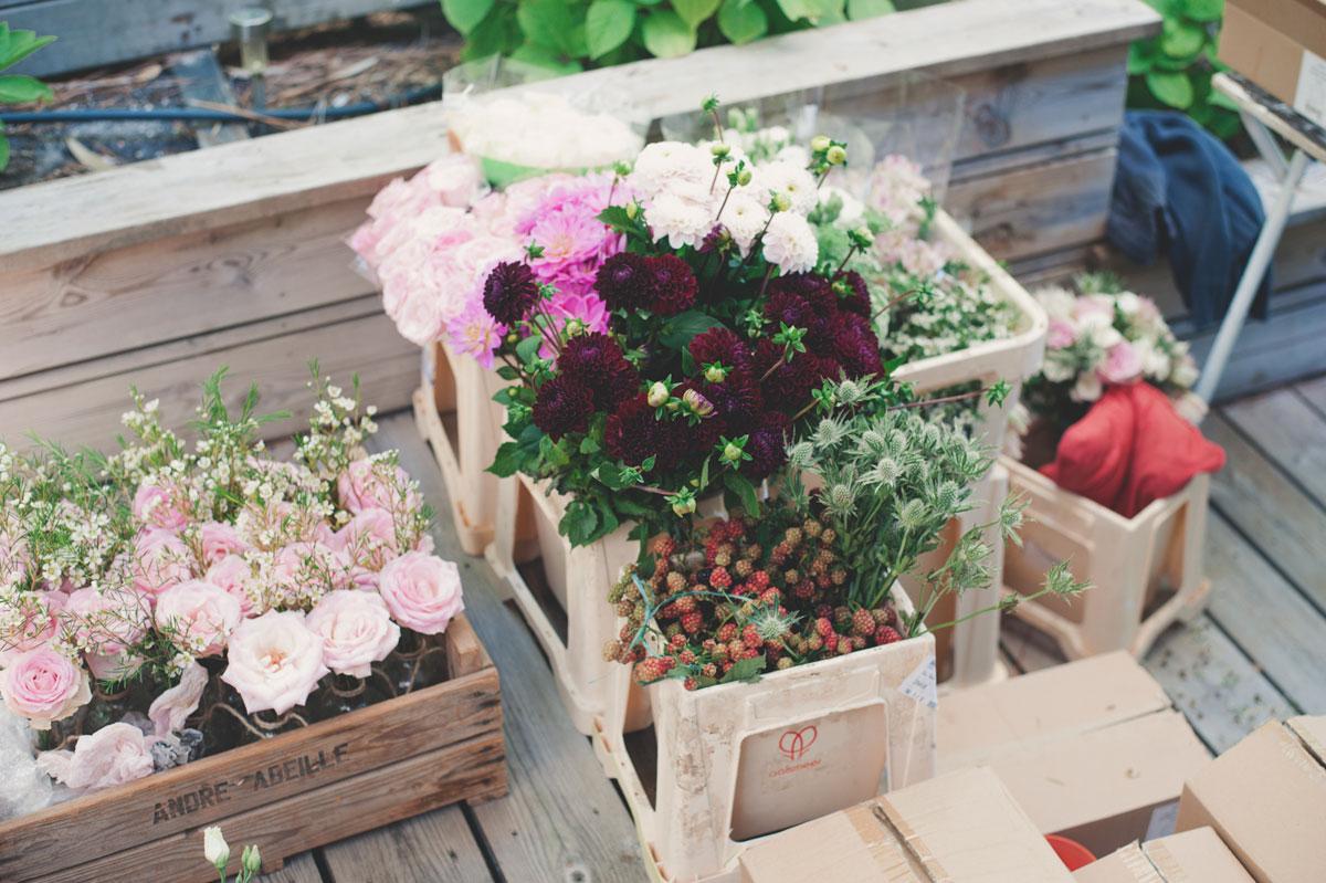 Bac à fleurs et cagette en bois pour outils et matériel de fleuriste et décorateur de mariage et événement en Aquitaine.